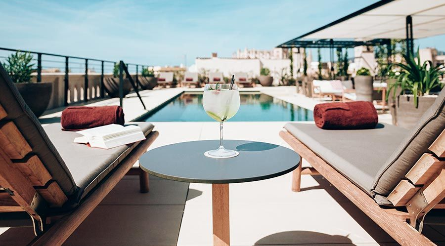 bar-piscina-hotel-sant-francesc-palma-mallorca