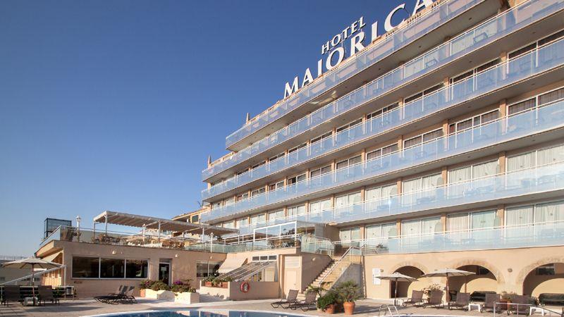 catalonia-majorica-fachada-piscina-tcm41-1708-32