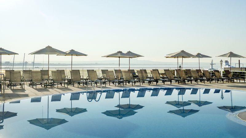 catalonia-majorica-piscina-exterior-tcm41-1733-32