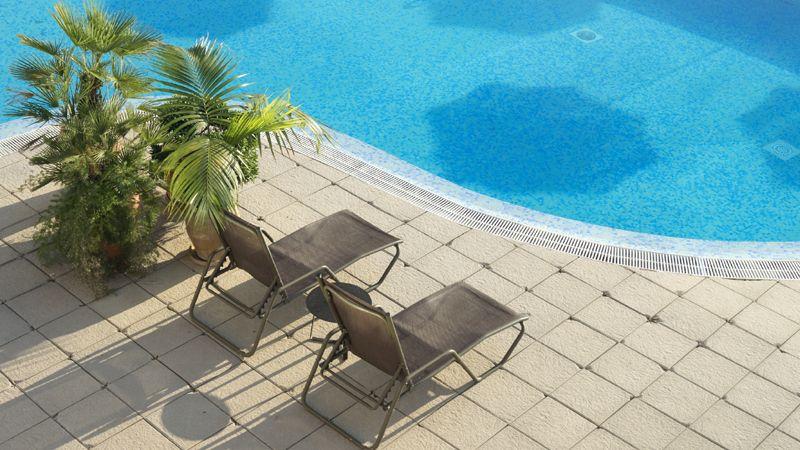 catalonia-majorica-piscina-exterior3-tcm41-1733-32